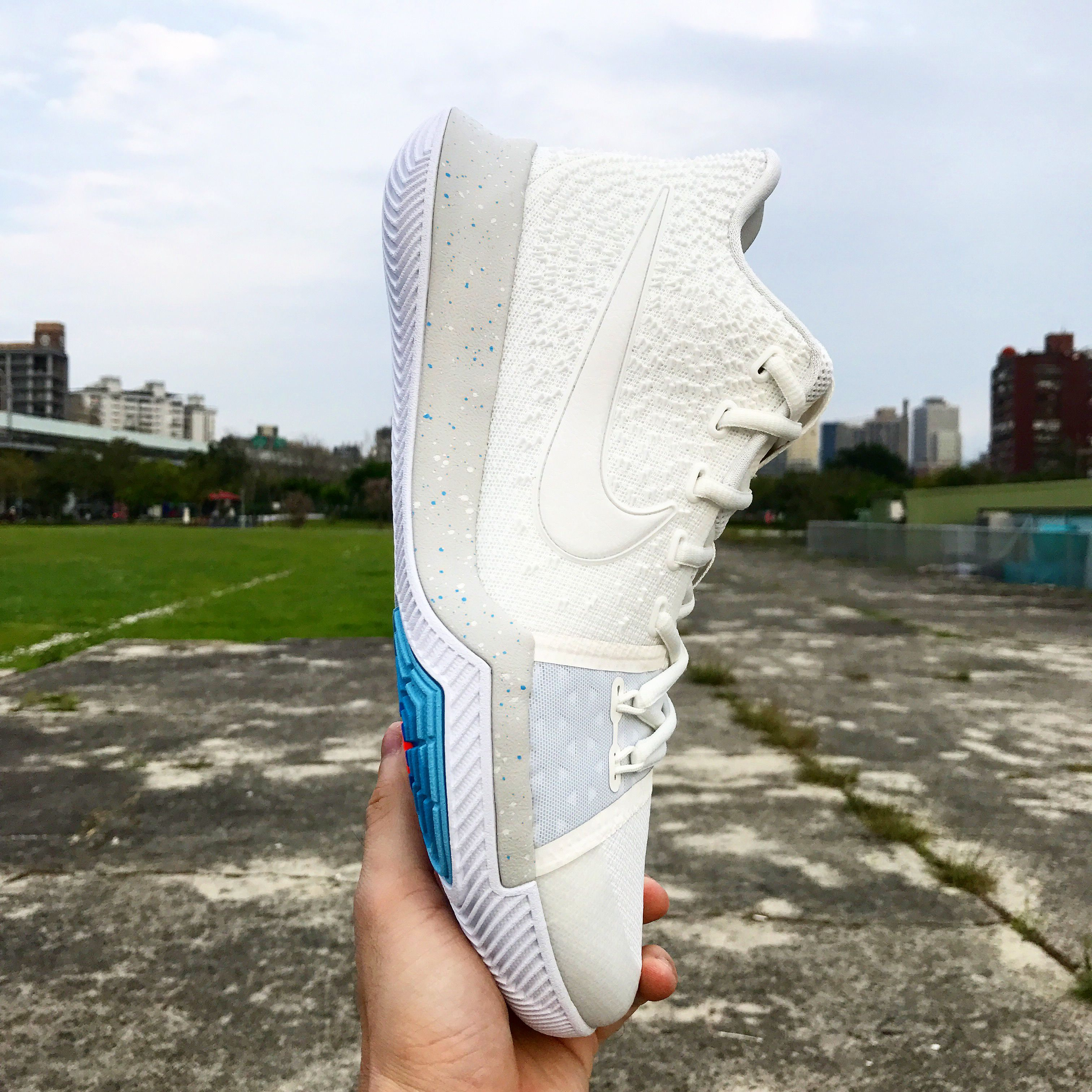 89e959422bf4 3 is better than 2 for Kyrie summer pack. Ivory theme with could blue  outsold. -- Nike Kyrie 3