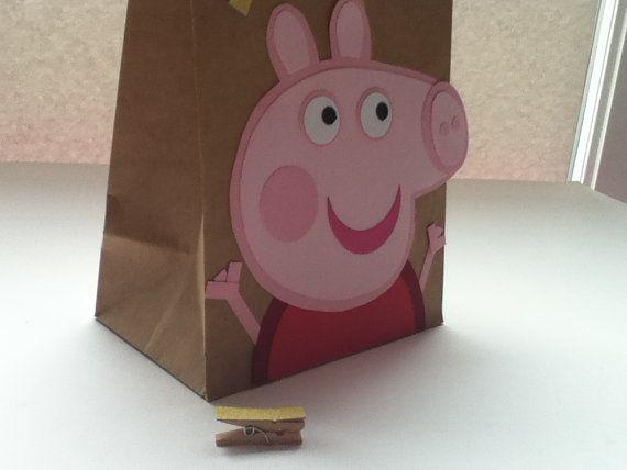 ba81d9bb2 Peppa Pig inspirado bolsas de regalo por Craftophologie en Etsy ...