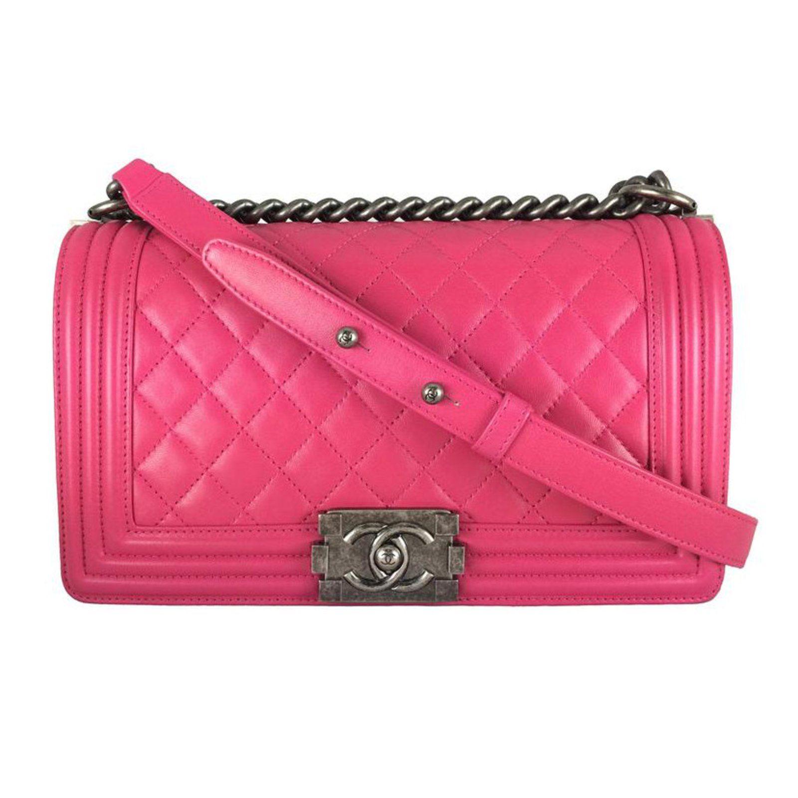 5887e9a47fdf73 Sacs à main Chanel Boy old medium Rose Cuir Rose ref.22764 - Joli Closet