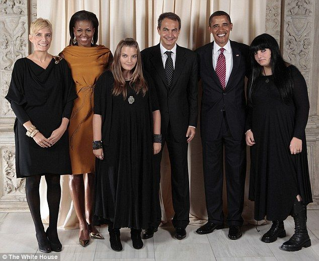 The Obamas With The Spanish Prime Minister And His Goth Daughters Goth Kids Fashion Cool Girl