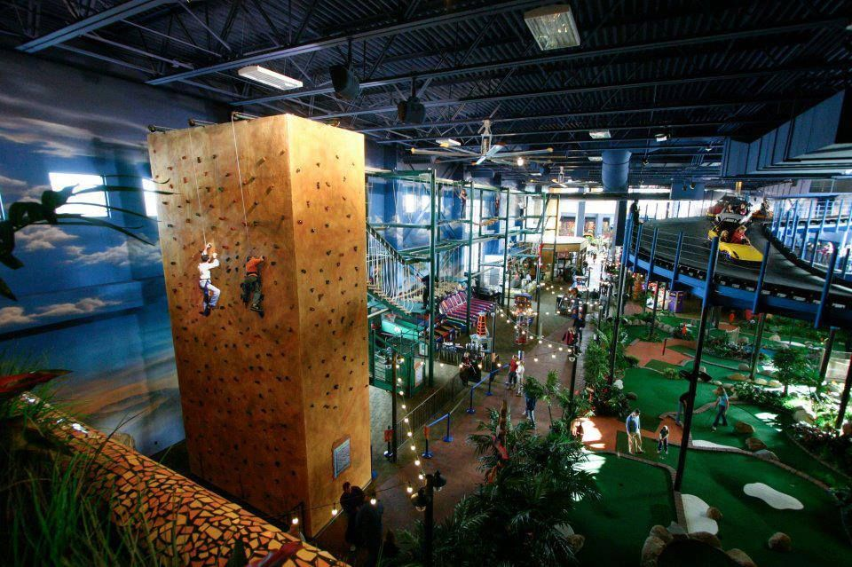 Wisconsin Dells Golf Wisconsin Dells Resort: Kalahari Indoor Theme Park. Kalahari Resort. Wisconsin