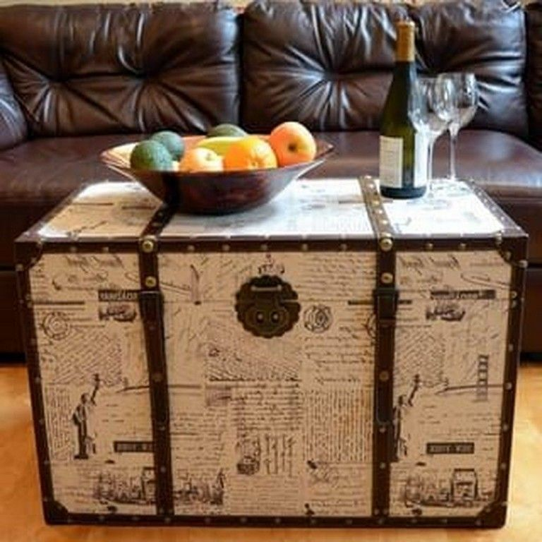 36 Smart Ideas To Decorate Your House With Vintage Chests And
