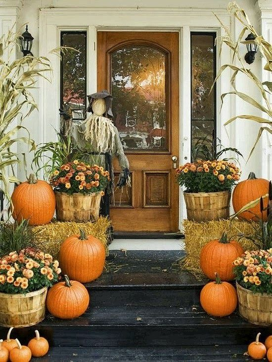 Dishfunctional Designs Autumn At Your Doorstep Decorating Porches u0026 Entryways For Fall & Dishfunctional Designs: Autumn At Your Doorstep: Decorating ... pezcame.com