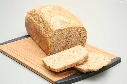 Provencelandbrød (2 brød/4 flutes/30 boller) Tilberedningstid 30 min (eksklusiv 1 døgns hævetid og 15-35 min bagetid) Sværhedsgrad Middel