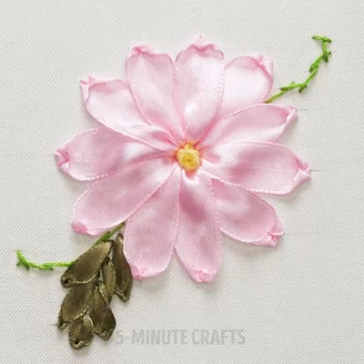 Awesome ribbon embroidery ideas.