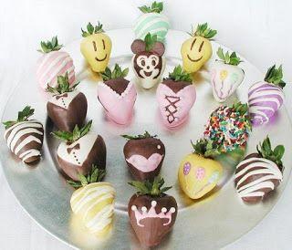 Cómo Decorar Con Frutas 10 Ideas Para Presentar Fresas Decoración Especial Para Fiestas Desserts Sugar Cookie Food