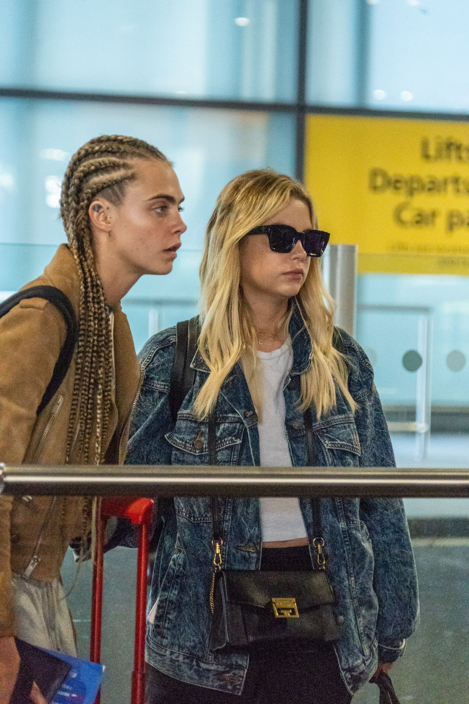 Cara Delevingne Ashley Benson Were Just Seen Kissing At An Airport