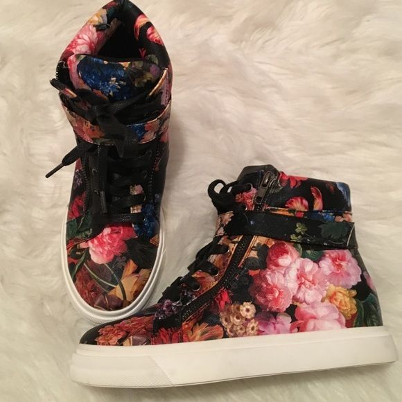 Never worn super cute floral high tops