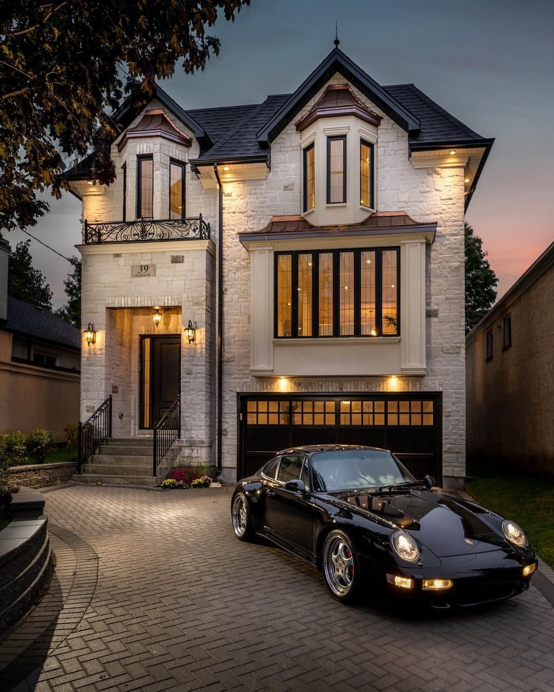 Awesome Luxury Homes Videos Dream Houses Modern Houses Dÿ Houses Instagram Posts Videos In 2020 Exterior House Colors Exterior Design House Exterior