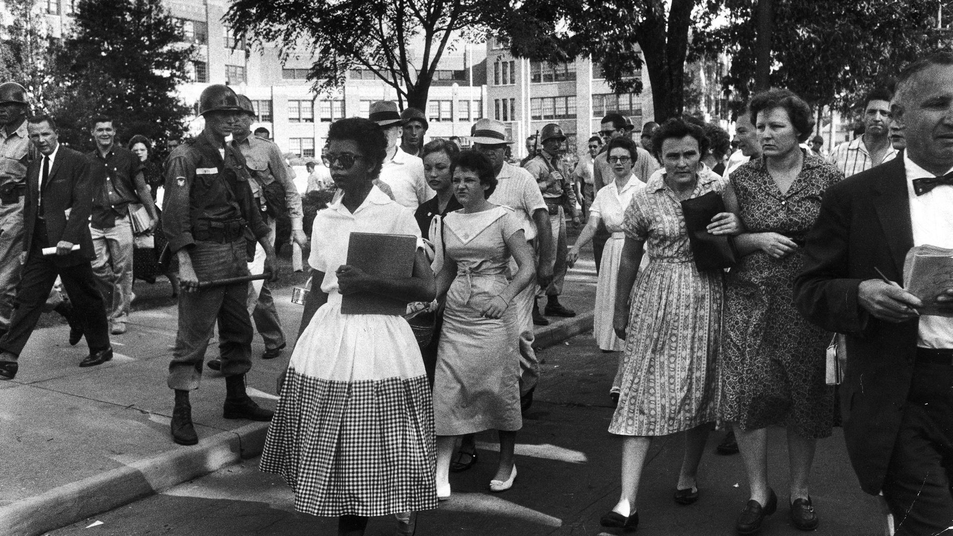 Little Rock Nine Begin First Full Day Of Classes History Photos