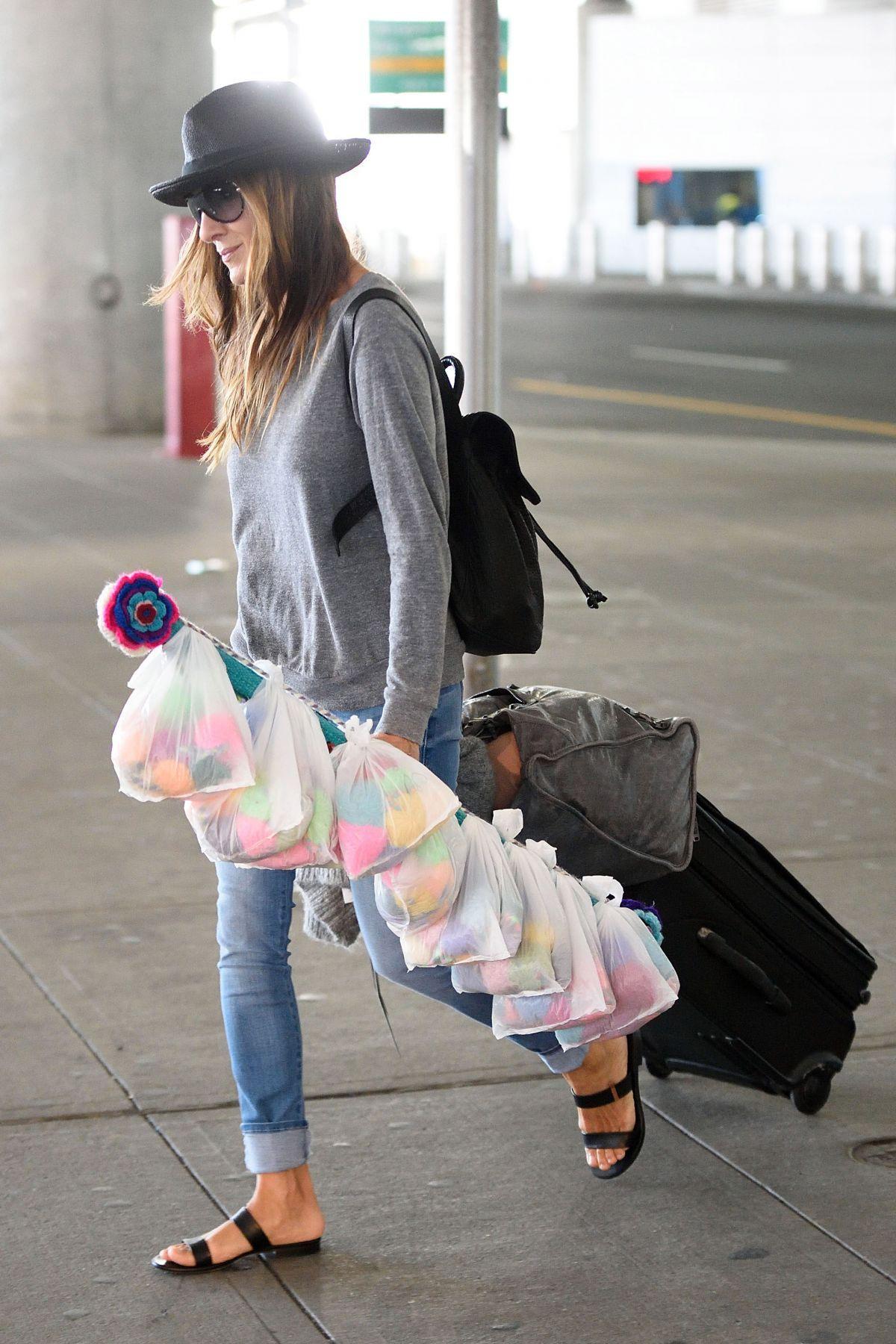 SARAH JESSICA PARKER Arrives at JFK Airport in New York 10/06/2015