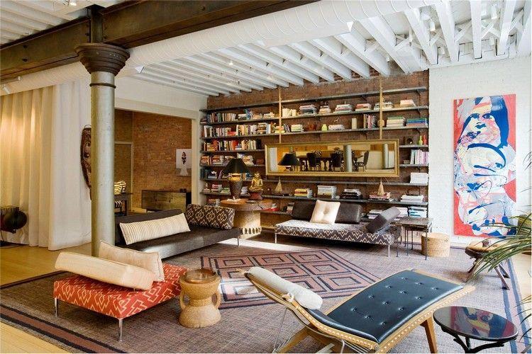idée déco salon moderne avec rangements muraux métalliques, tapis