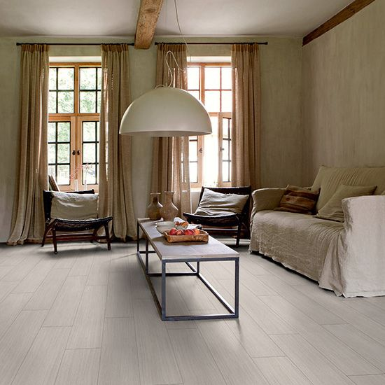 Con el suelo essential click lvyn de quick step y su for Suelos laminados claros