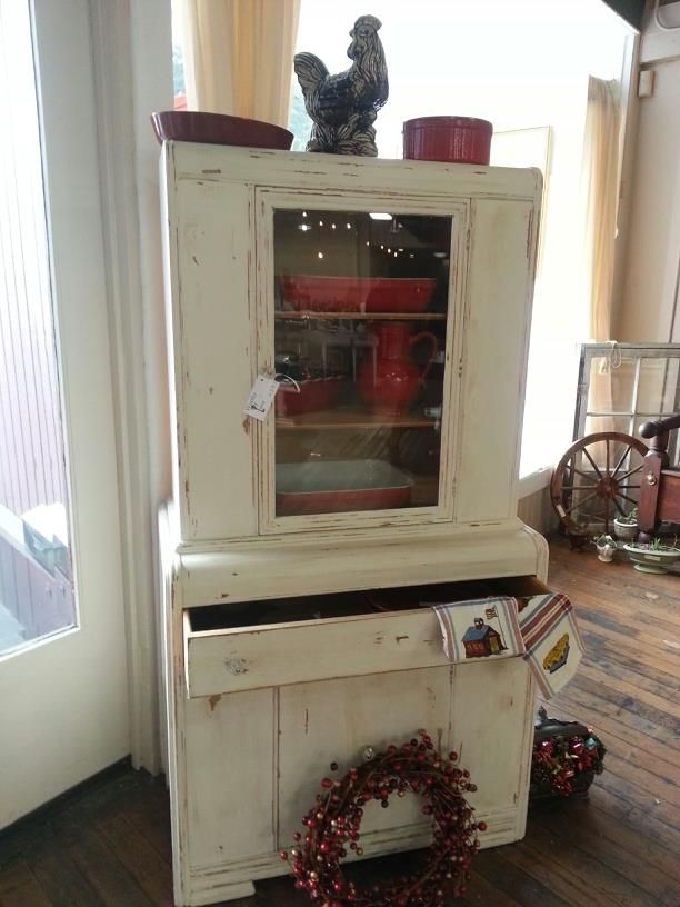 Beau Vintage Hutch Located At Worthy Of Love Recycled Home Furnishings In Petaluma  Ca