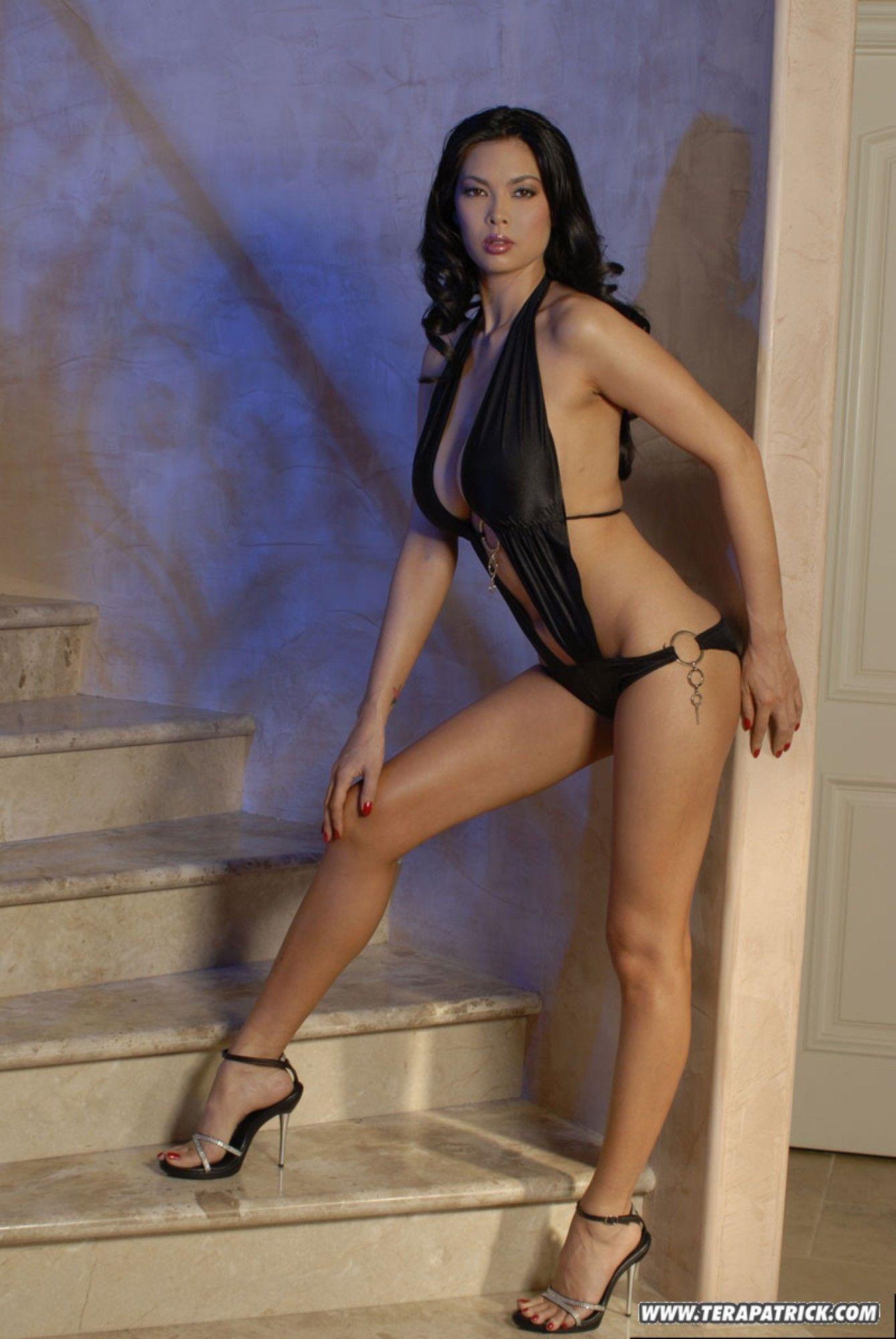 Shakira sexy nude hd hot photos