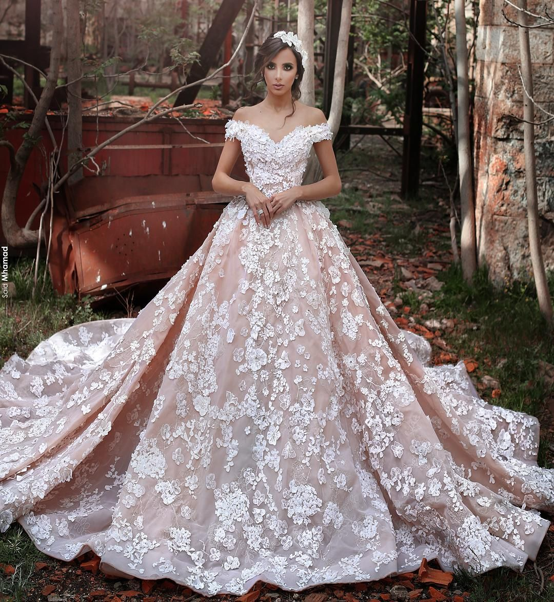 Lebanese Fashion Designer Based In Lebanon 009613772912 Sadekmajed Info Sade Short Sleeve Wedding Dress Ball Gowns Wedding Wedding Dresses Blush