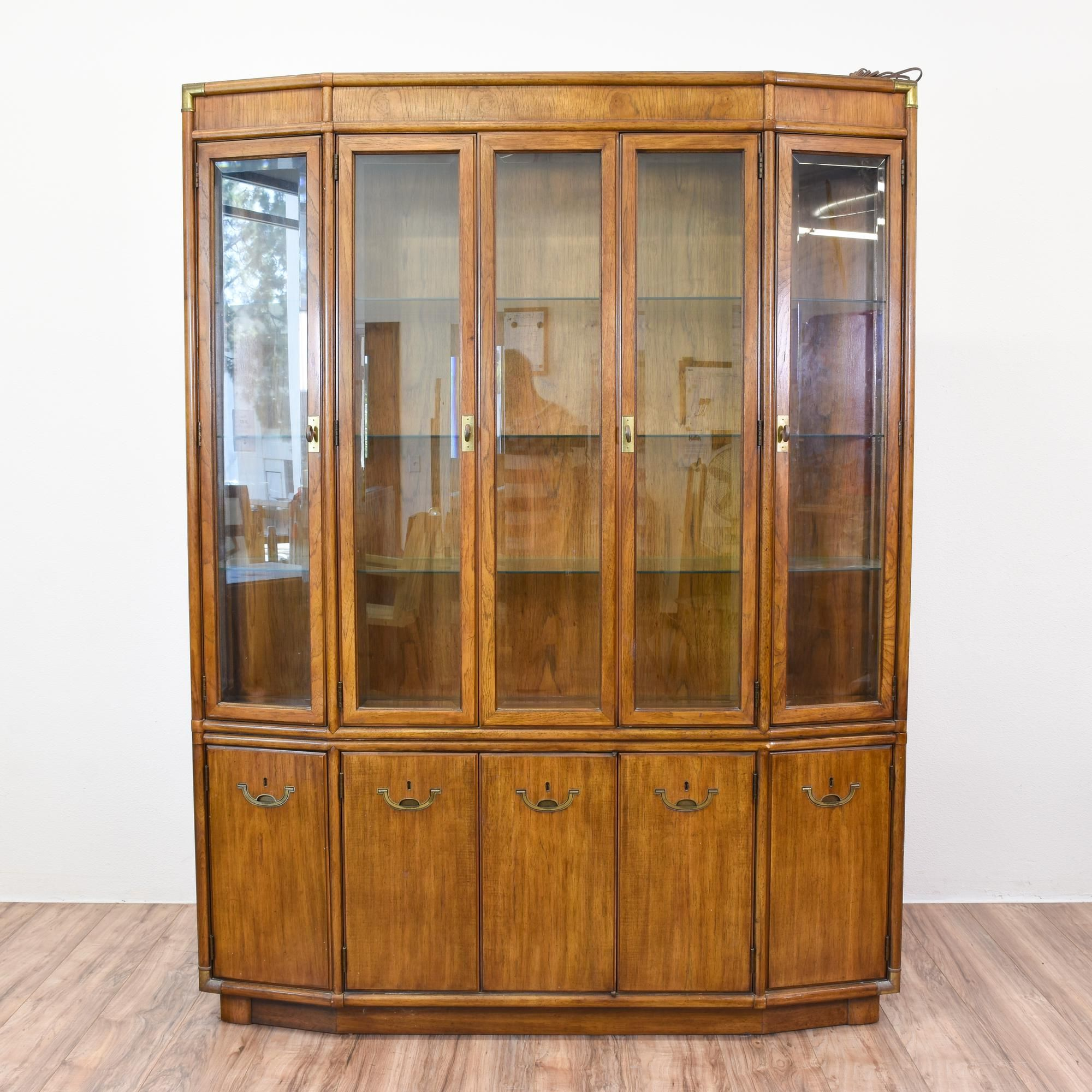 This Drexel Heritage China Cabinet Is Featured In A Solid Wood With Glossy Light Walnut Finish Large Buffet Great Condition Gl
