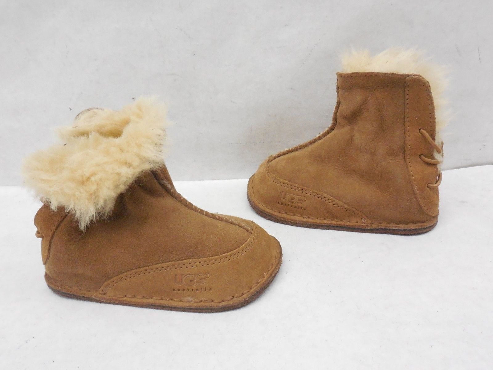b5b679021d4 UGG Australia Infant Lil Girls Boo Chestnut Suede Snow Booties Boots ...
