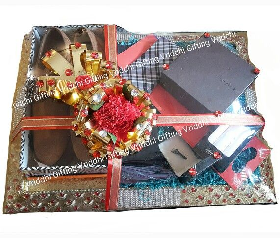 Indian Wedding Trousseau Gift Packing Wedding Gifts Wedding Gift Pack