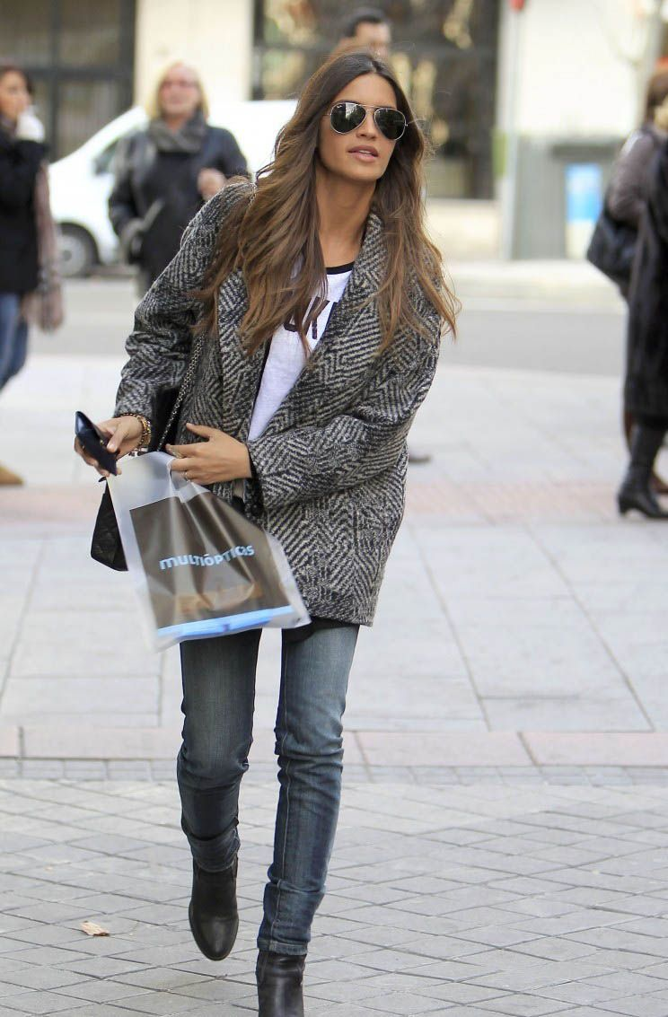 tweed jacket a la Sara Carbonero | Jackets + Coats en 2019