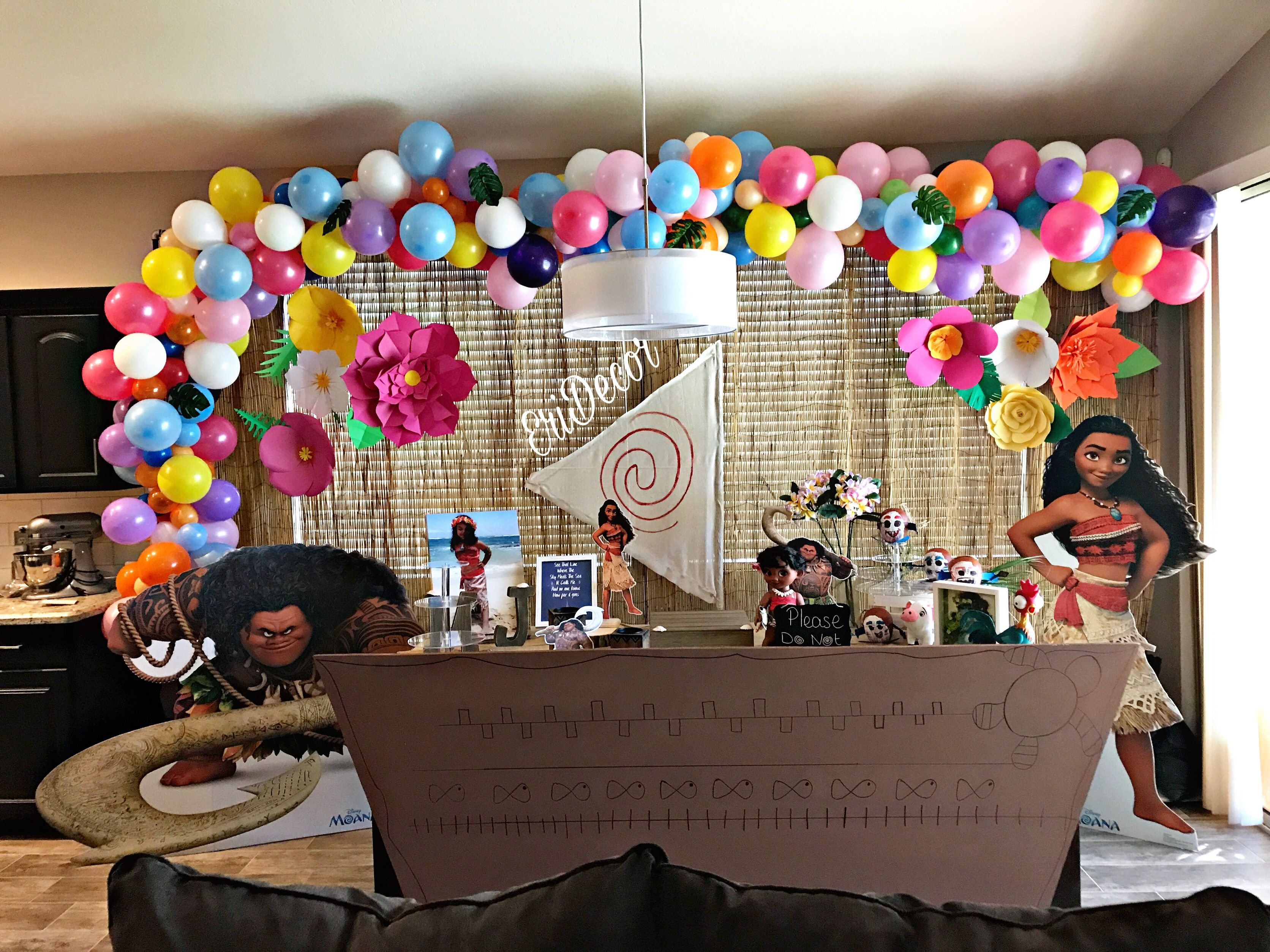 Moana Main Table Party Decor