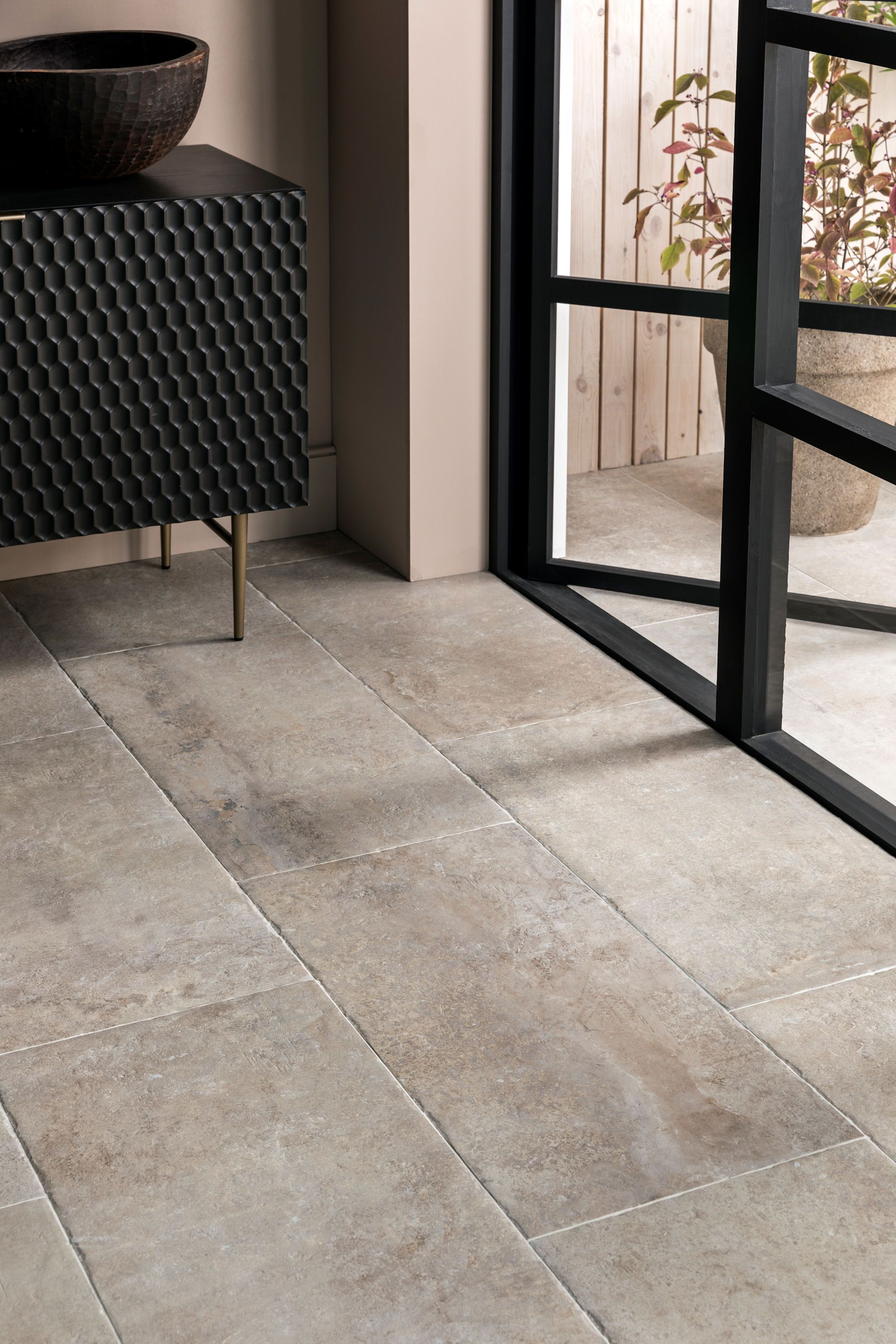 Rinser Naturstein Hendre Blanc Porcelain Tile | Mandarin Stone In 2020 | Outdoor Porcelain Tile, Patio Tiles, Outdoor Flooring