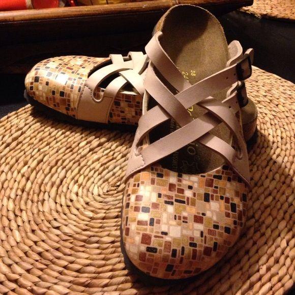 NEW~ PAPILLIO BIRKENSTOCK FUSSBETT SHOES- SIZE 38 NEW~ ADORABLE PAPILLIO BIRKENSTOCK FUSSBETT SHOES~ SIZE 38-STYLE 245 L7 M5-RETAILS $200 Birkenstock Shoes Sandals