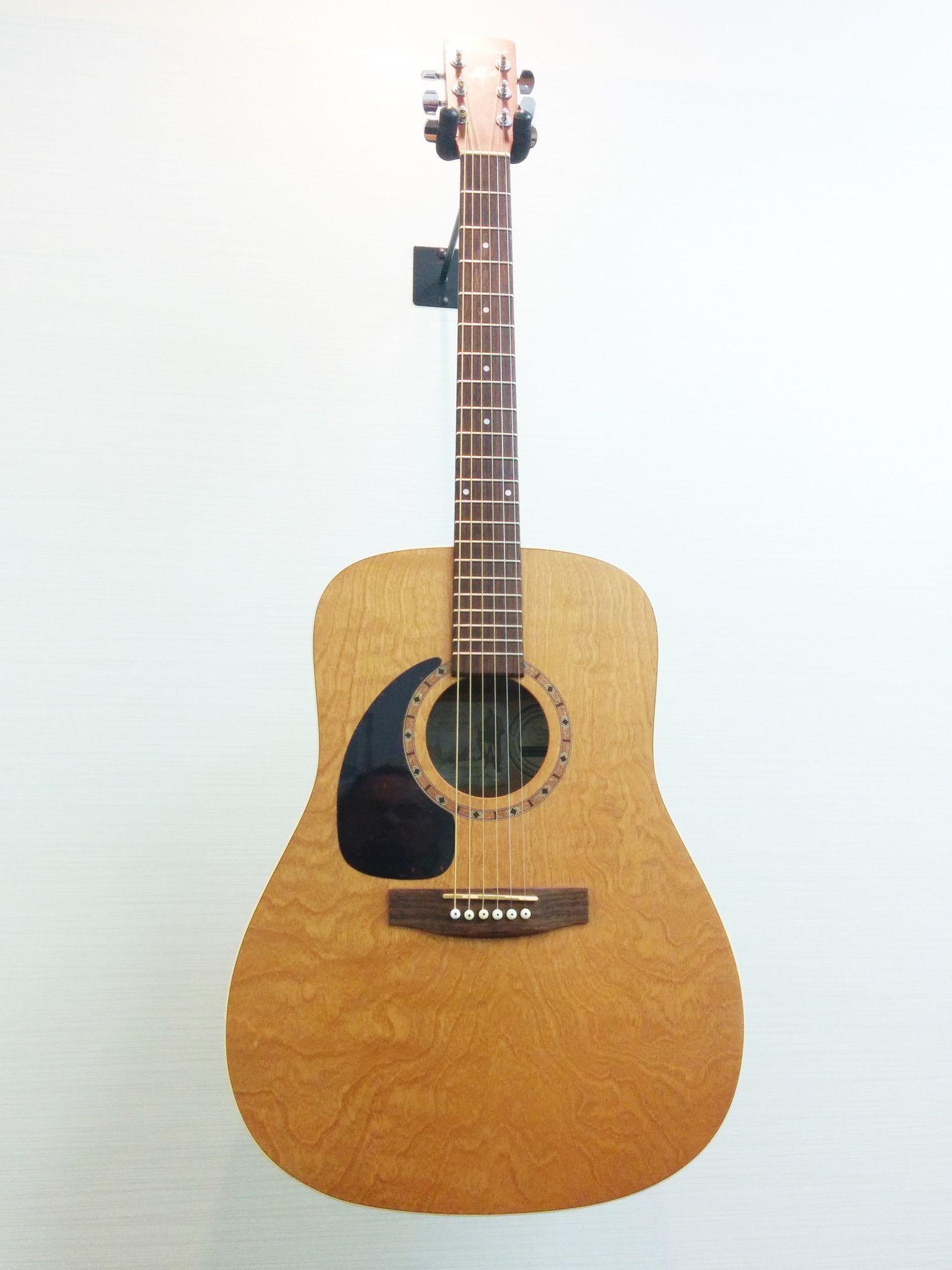 Art & Lutherie Left Handed Wild Cherry Acoustic Guitar V G
