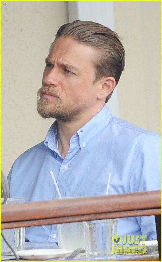 Charlie Hunnam Hits The Gym Then Cleans Up For Lunch Charlie Hunnam Hits The Gym Then Cleans Up Charlie Hunnam Haircut Charlie Hunnam Hair And Beard Styles