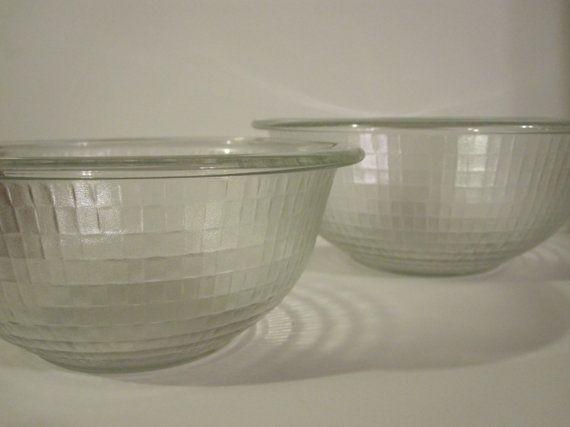Vintage Pyrex Unique Pattern Clear Glass Mixing Bowl (No