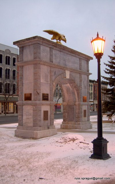 Memorial Arch Made With Marble That Was Mined In Gouverneur Hometown Arch Big And Small