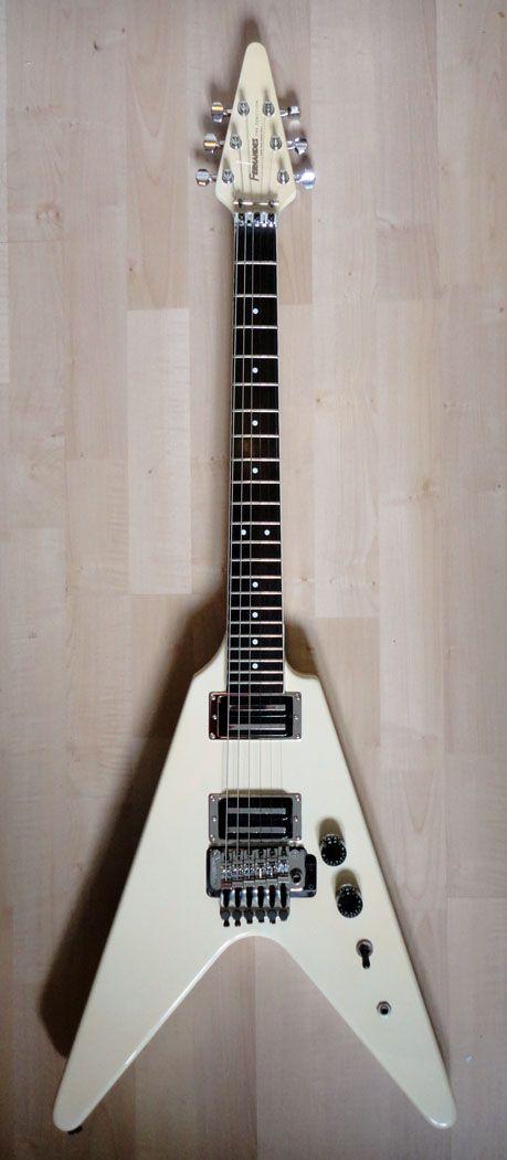 4b811caebd48ceba381374c1daece5ec 1986 fernandes the function flying v white electr�c guitars Vintage Fernandes Vertigo at virtualis.co