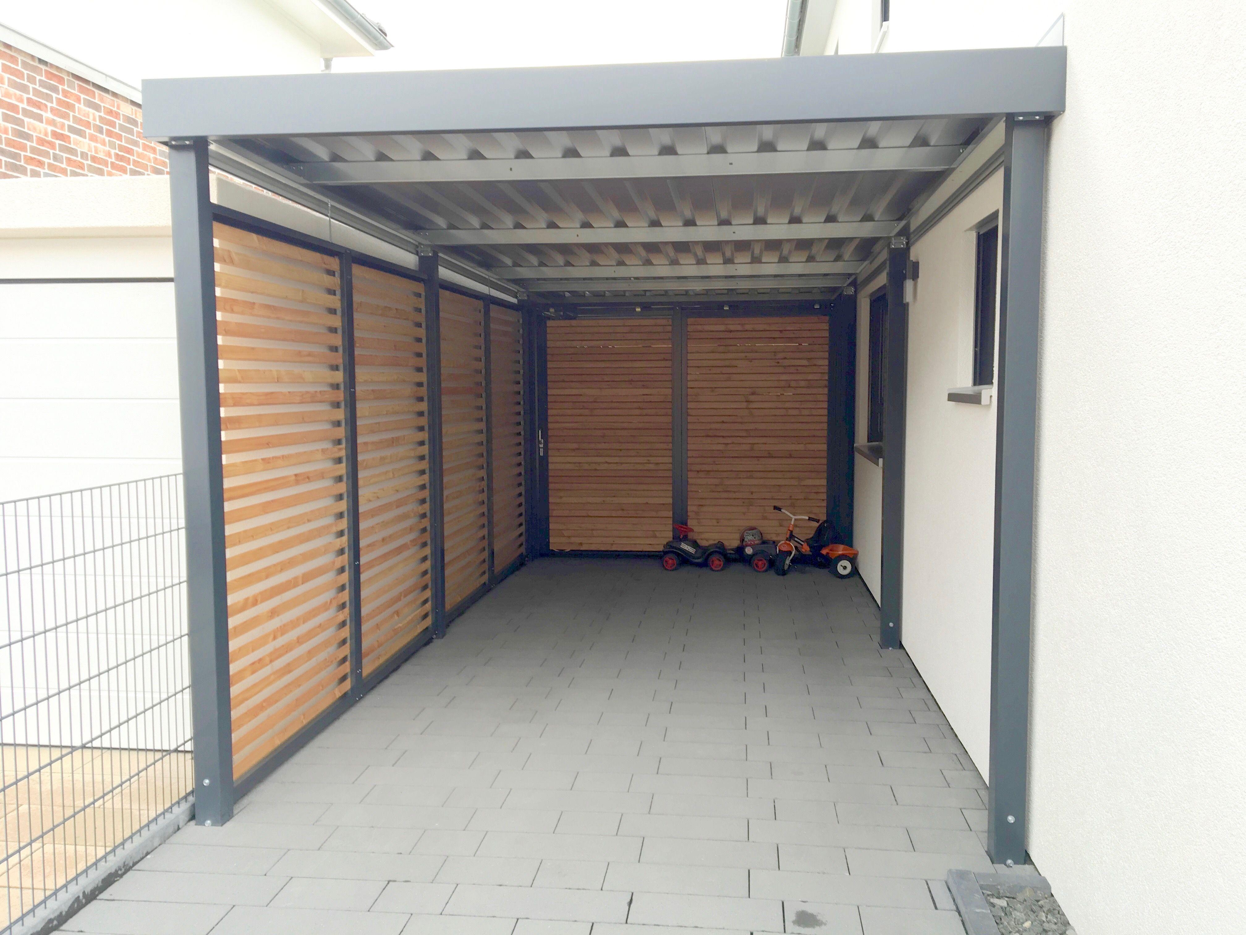 Carport Aus Metall In Ral 7016 Mit Gerateraum Hinten Aus Douglasie Rhombus Wandelementen Carport Holz Uberdachung Holz Carport Metall