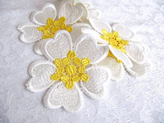 Flower applique pcs white flower with yellow seed flower diy