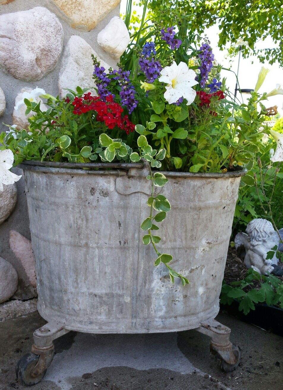 Old Mop Bucket Planter Bucket Planters Garden Containers Planters