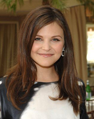 Ginnifer Goodwin Similar Face Shape Need To Take A Look At Other Hairstyles Brunette Hair Color Hair Lengths Layered Hair