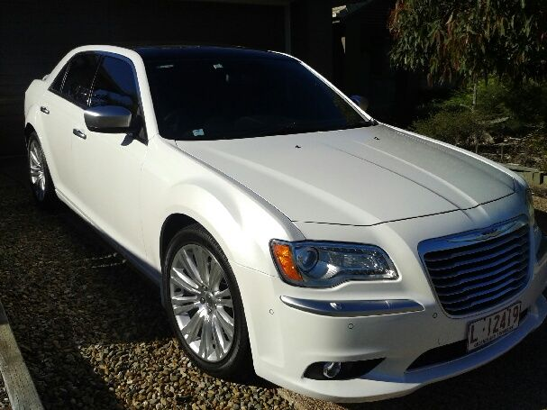 Chrysler 300c New Model Pearl White With Black Roof Limoso