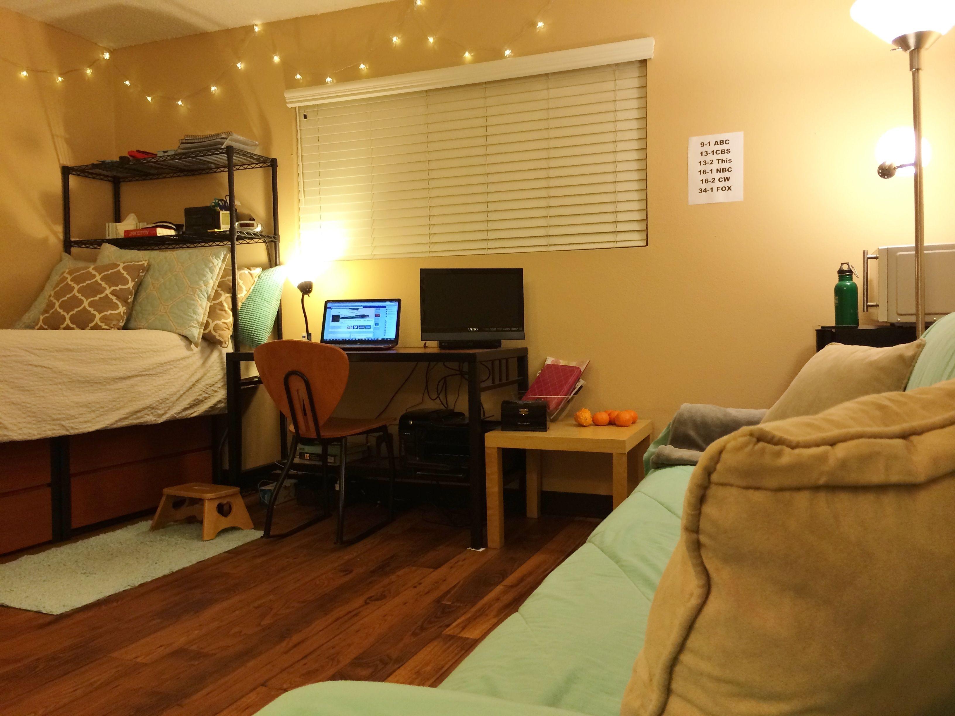 College Apartment Bedroom Ideas | College Apartment Décor ...
