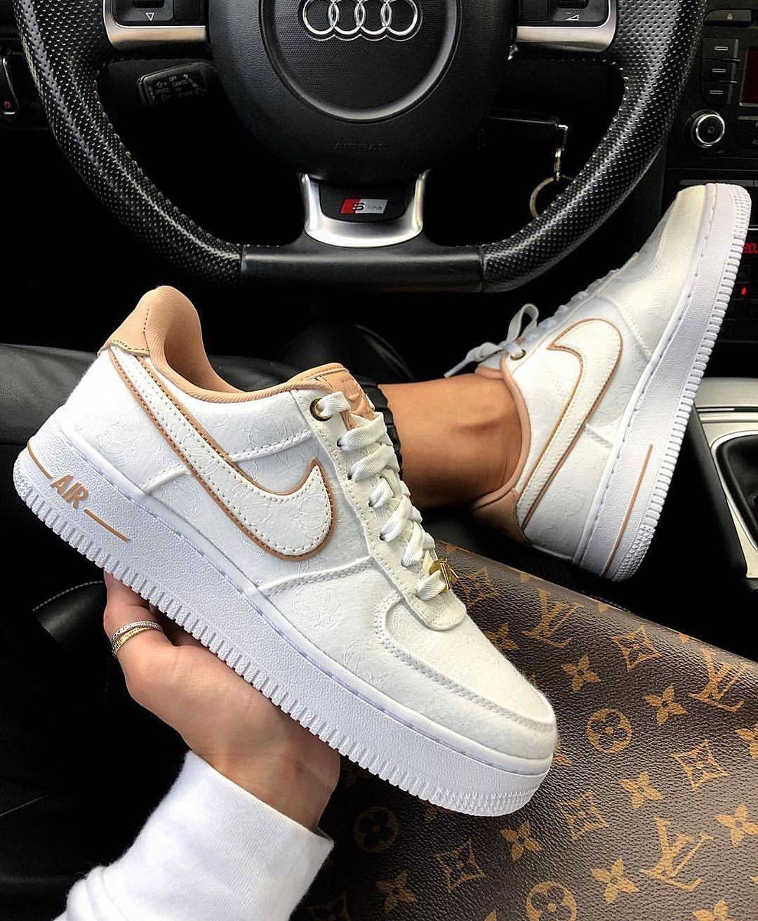 Nike Air Force 1 - LOUIS VUITTON