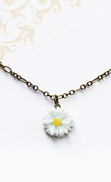 Hippie Chic Daisy Necklace. Bohemian Style Jewelry, I'm obsessed with this :D