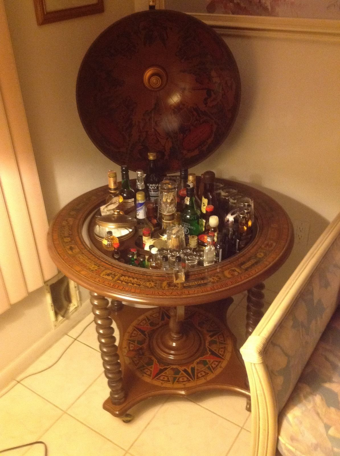 World Globe Hidden Bar Cabinet | EBay