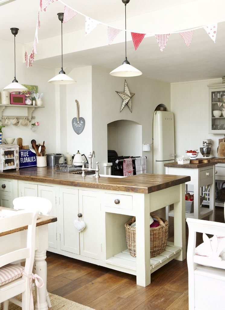 Farm Kitchen Home Interior Wooden Work Tops Bunting Country