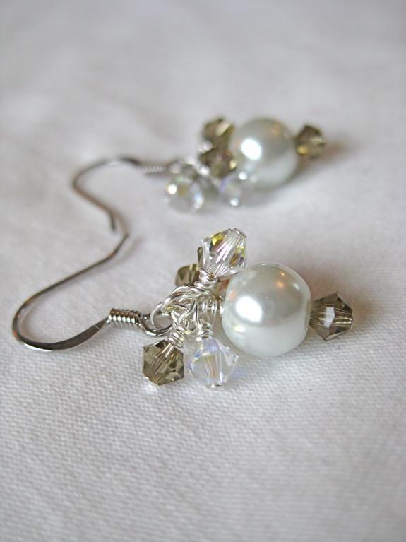 c410d3dc4285 Cluster pearl earrings