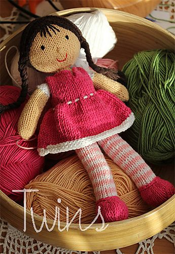 Ravelry: twins' Bonnie the Doll The doll was knitted follow our pattern using cotton yarn. We checked - cotton yarn 100g/300m gave smaller toy than acrylic yarn 100g/300m. #knittedtoys