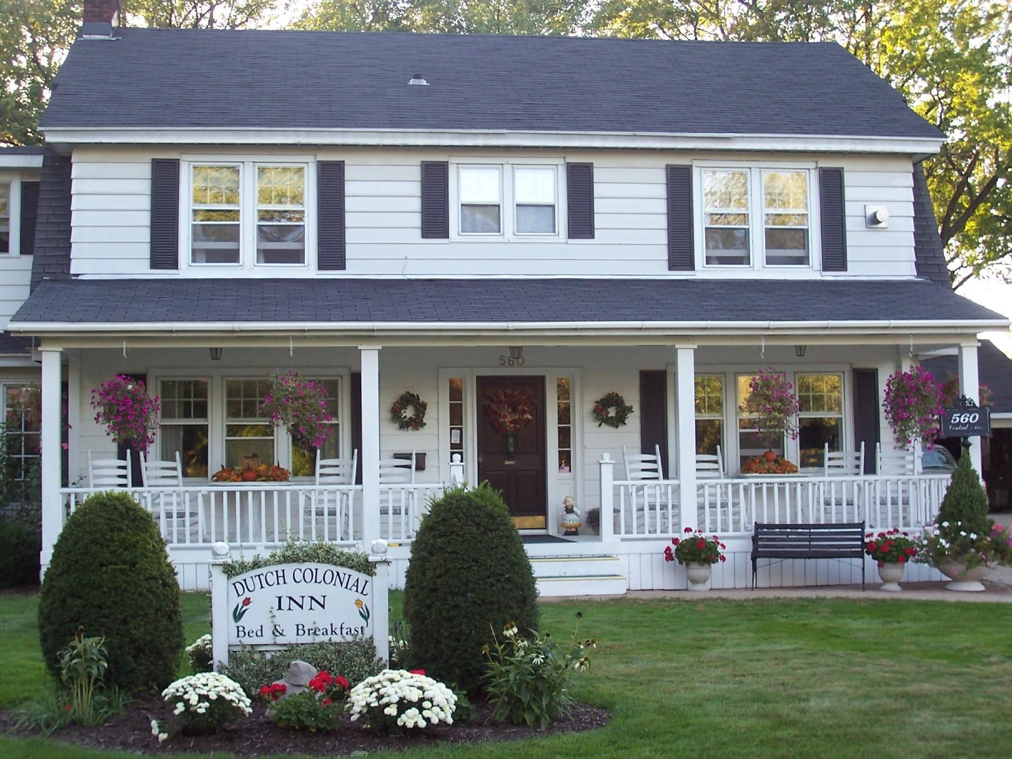 Real Life Rooms: Colonial Porch Curb Appeal #frontporchideascurbappeal
