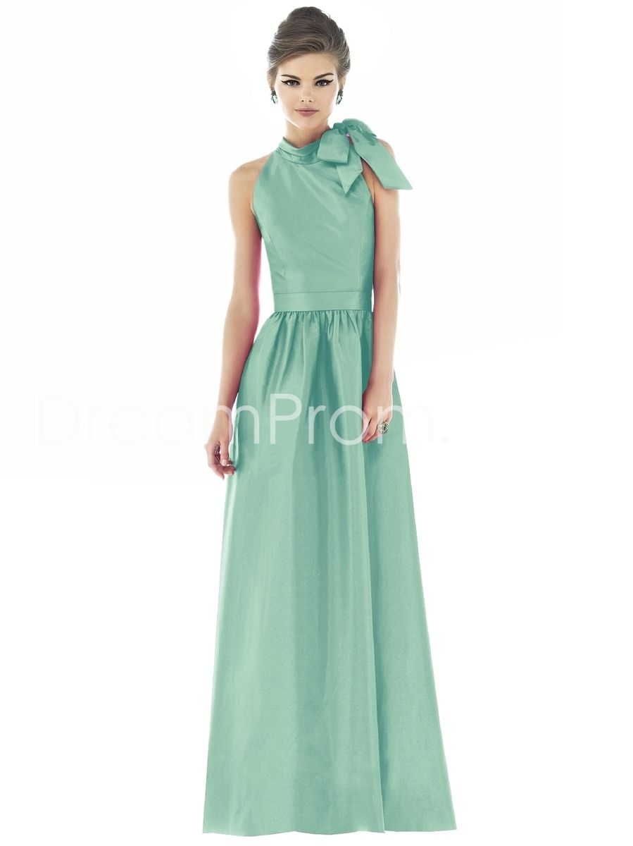 I love this color i like the dress and think the bow could