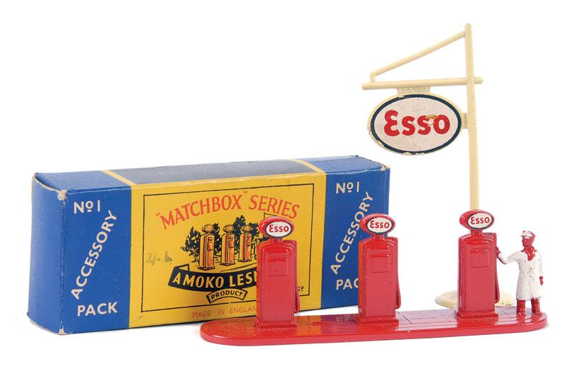 "The Ron Calcott Matchbox Collection | Accessory Packs | Vectis Toy  No.A1 ""Esso"" Petrol Pumps"