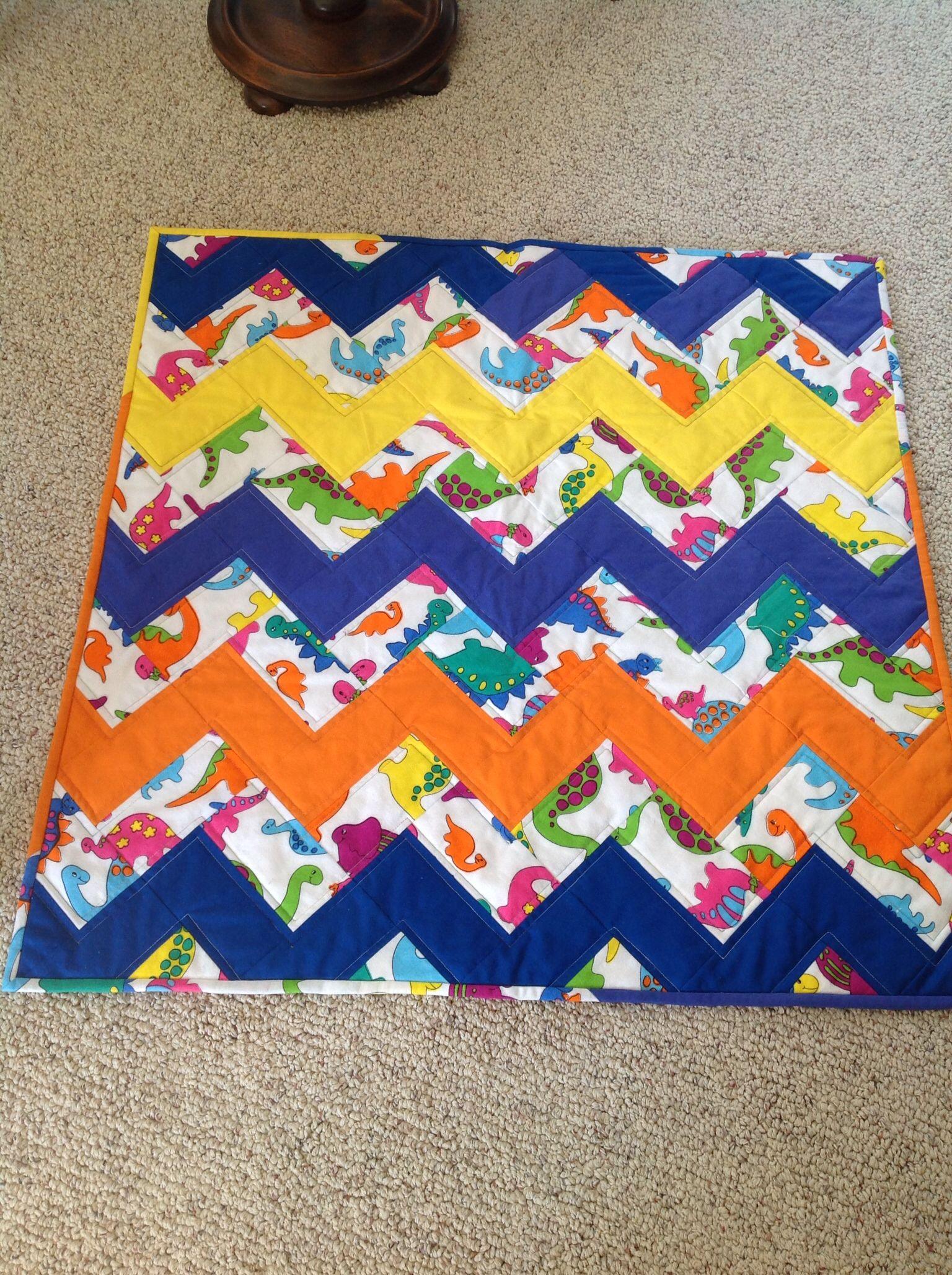 Dinosaur ZigZag baby quilt Fun Random Quilts Pinterest