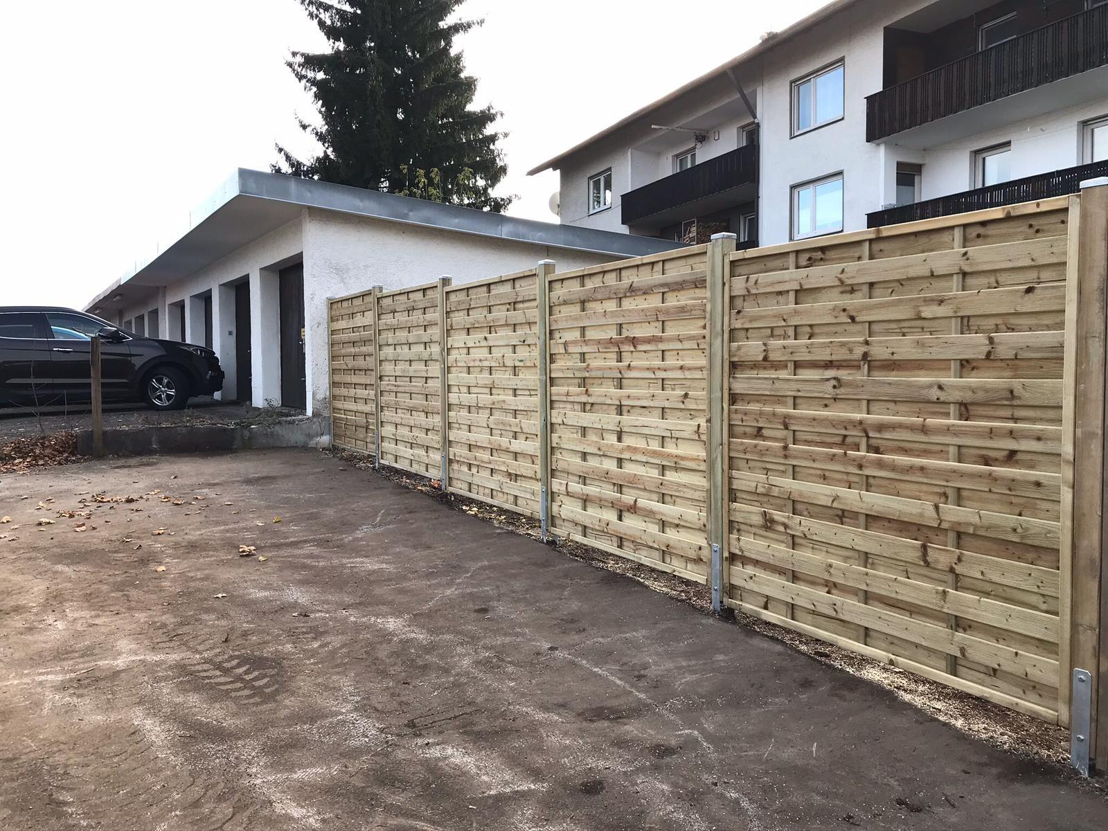 Holzsichtschutz In 2020 Holzsichtschutz Bambus Sichtschutz Larmschutz