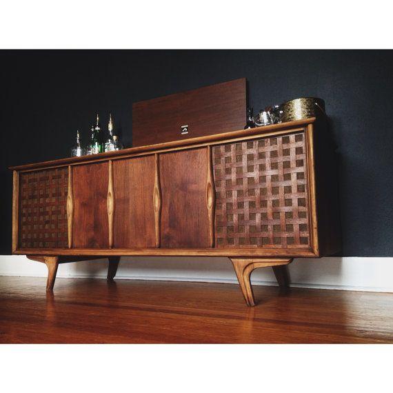 Luxury Mid Century Liquor Cabinet Bar